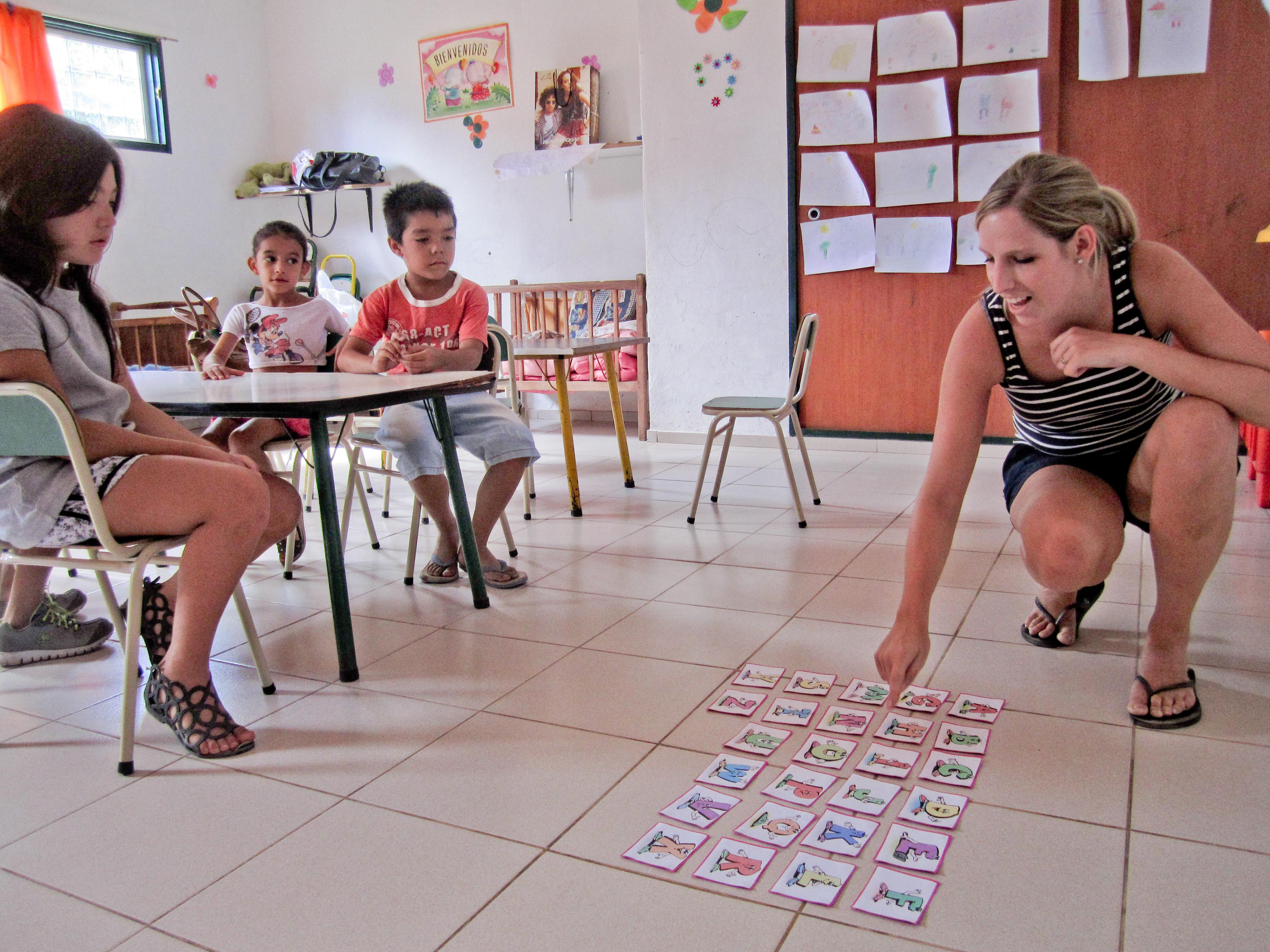 An English lesson is run by a volunteer teaching in Argentina